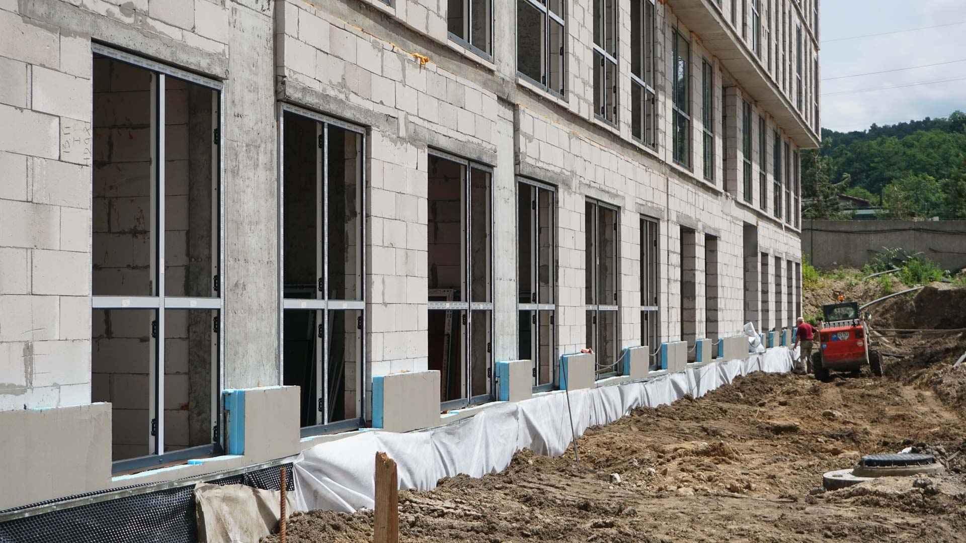 ЖК «Містечко Підзамче»: в секції А-2 першої черги комплексу «Брама» розпочалися фасадні роботи