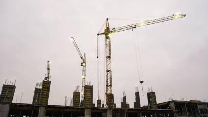 ЖК «Містечко Підзамче»: у першій черзі комплексу «Вежа» триває зведення вертикальних конструкцій