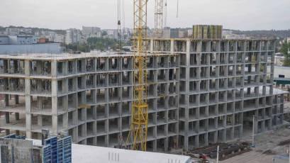 ЖК «Містечко Підзамче»: в секції 7.1 третьої черги комплексу «Вежа» виконується вертикал четвертого поверху