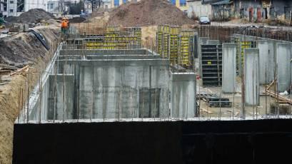 ЖК «Містечко Підзамче»: в секції В-4 третьої черги комплексу «Новий Форт» триває влаштування вертикальних конструкцій підвалу