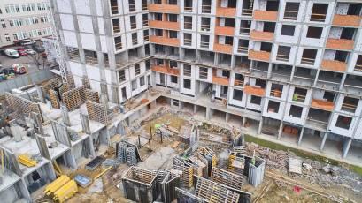 ЖК Оk'Land: у будинку №2 в першій секції завершується влаштування вертикальних конструкцій другого поверху