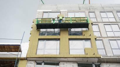 ЖК «Містечко Підзамче»: в секції А-1 першої черги комплексу «Новий Форт» триває утеплення фасаду