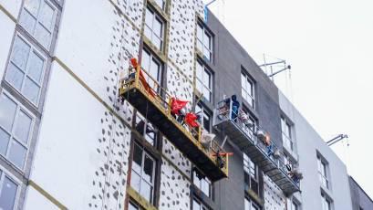 ЖК Riel City: в другій секції третьої черги триває оздоблення фасаду