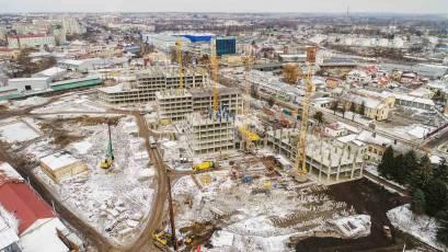 ЖК «Містечко Підзамче»: в секції Б-1 другої черги комплексу «Вежа» триває влаштування вертикальних конструкцій першого поверху