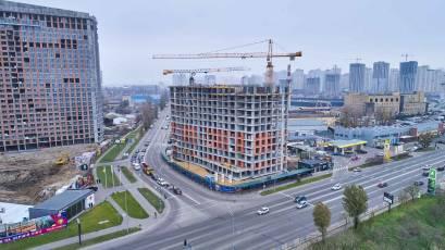 ЖК «Берег Дніпра»: монолітні роботи тривають на 11-12 поверхах