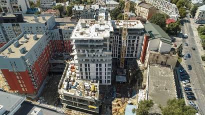 В першій секції будинку №1 сьомої черги завершено будівельно-монтажні роботи