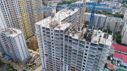 ЖК Оk'Land: в першій секції будинку №1 виконується вертикал 18 поверху