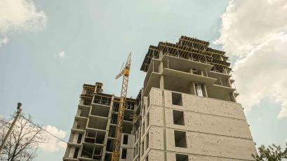 ЖБ Topolis: мурування стін триває на дев'ятому поверсі