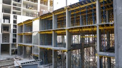 ЖК «Містечко Підзамче»: в секції Б-1 другої черги комплексу «Вежа» триває влаштування вертикалу четвертого поверху