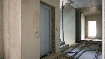 ЖК «Голоські Кручі»: в другій черзі завершується монтаж ліфта