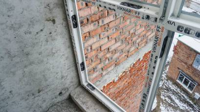 ЖК Riel City: у другій секції третьої черги триває монтаж вікон