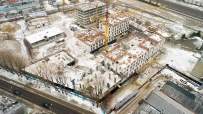 ЖК «Містечко Підзамче»: в секції А-7 першої черги комплексу «Брама» виконується влаштування вертикальних конструкцій другого поверху