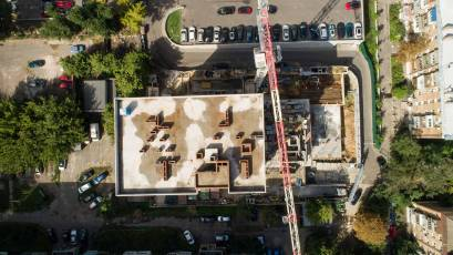 В секции «В» продолжается возведение вертикала четвертого этажа