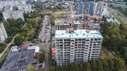 ЖК Riel City: у четвертій секції третьої черги виконуються роботи з покриття даху