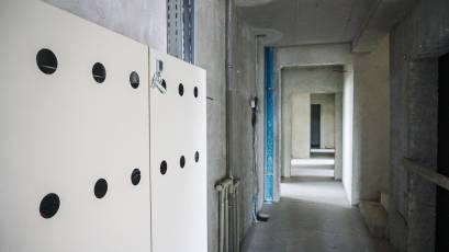 ЖК «Америка»: в доме В-2 оборудованы шкафы для учета электроэнергии на этажах