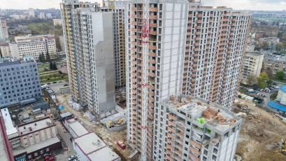 ЖК Оk'Land: в першій секції будинку №2 виконується кладка на 12 поверсі