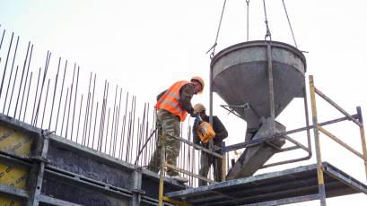 ЖК «Містечко Підзамче»: у комплексі «Вежа» тривають монолітні роботи