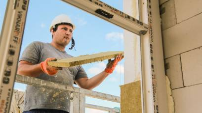 ЖБ Topolis: тривають фасадні роботи