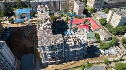 ЖК Оk'Land: в першій секції будинку №1 виконується вертикал 13 поверху