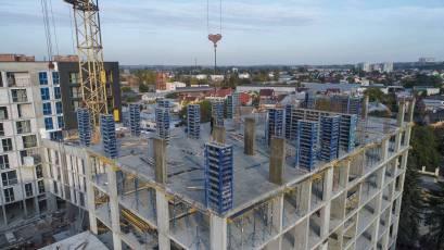 ЖК «Містечко Підзамче»: в секції 6.1 другої черги комплексу «Вежа» триває зведення вертикалу шостого поверху