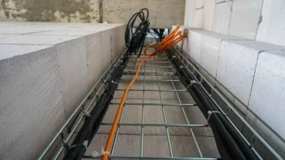 В третій черзі виконуються електромонтажні роботи