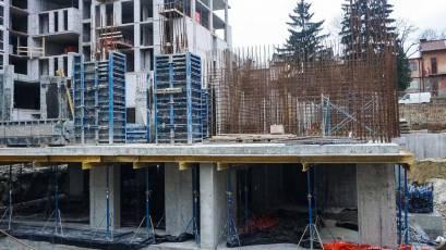 ЖК «Велика Британія» в першій секції будинку №1 сьомої черги триває облаштування стін та колон цокольного поверху