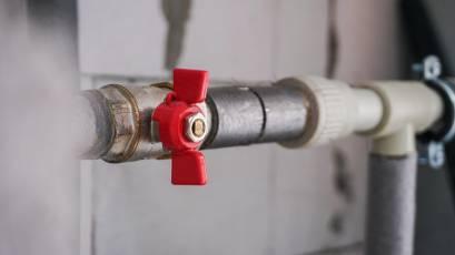 ЖК «Голоські Кручі»: в другій черзі завершено монтаж внутрішніх мереж водопостачання