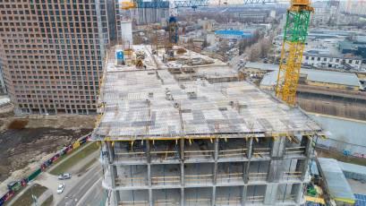ЖК «Берег Дніпра»: виконується плита перекриття 17 поверху