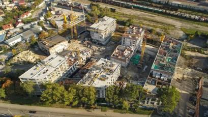 ЖК «Містечко Підзамче»: в першій черзі у секціях А-1 і А-2 комплексу «Брама» змонтовано металеві та дерев'яні конструкції даху