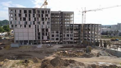 ЖК «Містечко Підзамче»: в секции А-1 первой очереди ЖК «Вежа» выполняется вертикал седьмого этажа