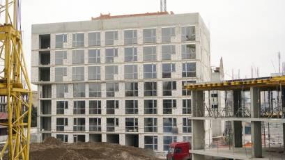 ЖК «Містечко Підзамче»: в секції А-1 першої черги комплексу «Новий Форт» триває монтаж віконних конструкцій