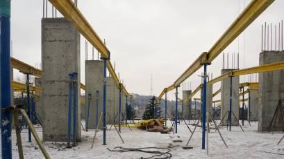 ЖК «Містечко Підзамче»: в секції Б-1 другої черги комплексу «Вежа» триває влаштування плити перекриття другого поверху
